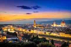 佛罗伦萨风景看法在日落以后的从Piazzale米开朗基罗 库存照片