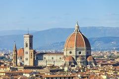 佛罗伦萨,中央寺院大教堂地标。 从Michelang的全景视图 免版税库存照片