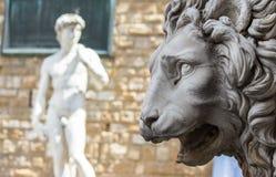 佛罗伦萨,凉廊dei Lanzi或Signoria的狮子 免版税图库摄影