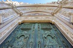 佛罗伦萨,圣玛丽亚台尔菲奥雷入口 图库摄影