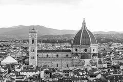 佛罗伦萨,意大利中央寺院的风景看法  免版税库存照片