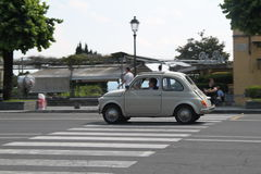 佛罗伦萨,意大利夏天汽车 库存图片