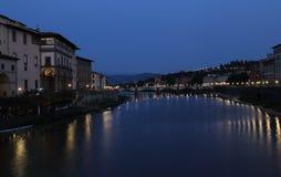 佛罗伦萨,意大利夜视图  库存图片