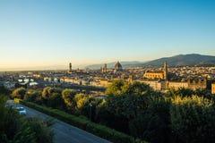 佛罗伦萨,意大利- 2017年10月 佛罗伦萨市看法从米开朗基罗广场的小山的 旅行目的地佛罗伦萨 免版税库存照片
