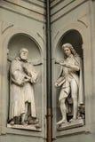 佛罗伦萨,意大利- 2018年4月23日, :伽利略・伽利莱和码头安东尼奥Micheli雕象  库存图片