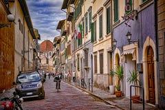 佛罗伦萨,意大利- 2016年11月:人们通过佛罗伦萨街道走 免版税库存图片