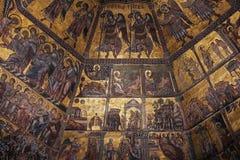 佛罗伦萨,意大利- 2015年11月:金黄马赛克和基督圣乔瓦尼洗礼池的  免版税库存图片