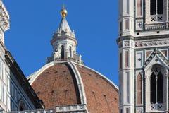 佛罗伦萨,意大利- 2015年11月:Brunelleschi圆顶,三塔Croce大教堂,细节 库存照片