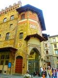 佛罗伦萨,意大利- 2014年5月01日:历史建筑门面在佛罗伦萨,托斯卡纳,意大利 库存图片