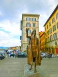 佛罗伦萨,意大利- 2014年5月01日:古铜色雕象致力意大利的独立的战斗机 免版税库存图片