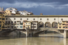佛罗伦萨,意大利- 3月07 :桥梁Ponte Vecchio在佛罗伦萨 免版税库存照片