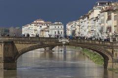 佛罗伦萨,意大利- 3月07 :Ponte圣诞老人Trinita桥梁 免版税图库摄影