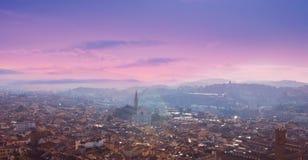 佛罗伦萨,托斯卡纳,意大利鸟瞰图  从大教堂圣的看法 库存图片