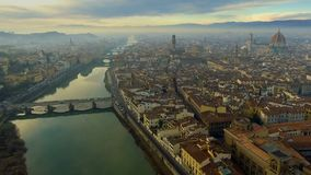 佛罗伦萨,日落的意大利鸟瞰图  大教堂圣玛丽亚 影视素材