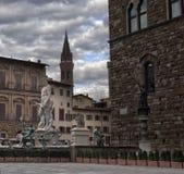 佛罗伦萨 城市克里姆林宫横向晚上被反射的河 兴趣吸引力地方  免版税图库摄影