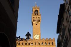 佛罗伦萨 城市克里姆林宫横向晚上被反射的河 兴趣吸引力地方  免版税库存照片