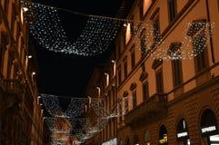 佛罗伦萨2017年12月9日:圣诞灯装饰在佛罗伦萨的中心 库存图片