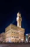 佛罗伦萨Palazzo Vecchio夜视图在广场della Signoria的 免版税图库摄影