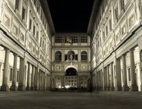 佛罗伦萨uffizi在夜之前 免版税库存图片