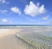 佛罗里达墨西哥湾海岸的透明的水 免版税库存图片