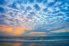 佛罗里达大西洋海滩太阳上升 免版税库存图片