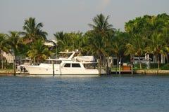 佛罗里达家庭豪华江边 免版税库存照片