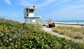 佛罗里达海滩救生员立场 免版税库存照片