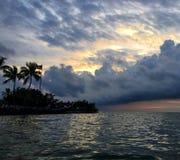 佛罗里达锁上与桶云彩的日落 库存照片