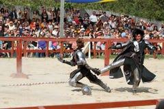 作为中世纪的骑士的演员 库存照片