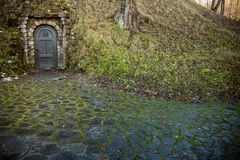 作为仓库使用的老洞,麸皮城堡,特兰西瓦尼亚,罗马尼亚 库存照片