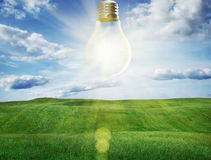 作为太阳能的电灯泡 图库摄影