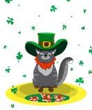 作为妖精穿戴的满意的猫 海报圣帕特里克` s天 免版税库存图片