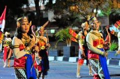 作为射手打扮的妇女,日惹市节日 免版税库存照片