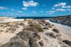 作为月亮叫的矿物形成在芦粟海岛爱琴海海岸环境美化  免版税库存图片
