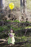 作为有气球的一位神仙打扮的小女孩 免版税库存图片