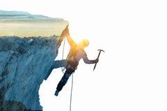 作为概念的登山体育 混合画法 库存图片