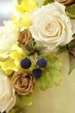 作为生日蛋糕的装饰的糖花 库存照片