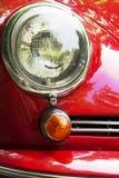 作为眼睛的车灯 免版税库存照片