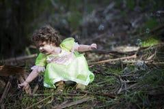 作为神仙打扮的小女孩 免版税库存照片