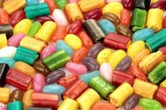 作为背景,关闭的五颜六色的糖果 库存图片