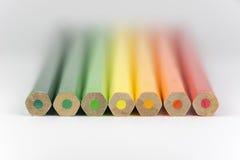 作为能量标签颜色的概念性蜡笔 库存图片