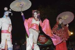 作为艺妓女孩打扮的妇女 免版税库存图片