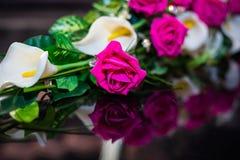 作为花束一部分的桃红色罗斯 库存图片