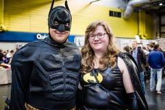 作为蝙蝠侠和女勤务兵的Cosplay 免版税库存图片
