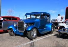 作为街道标尺的古董车:福特1929年  库存照片