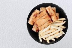 作为被油炸的春卷和Fr的中国菜节日食物 免版税图库摄影