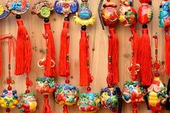 在中国传统风格的五颜六色的防护护符 库存图片