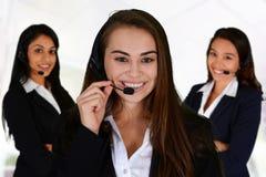 作为覆盖客户友好帮助有用的爱服务微笑对非常您的美丽的女实业家的天使 图库摄影