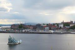 作为首都多数自治市挪威奥斯陆人口众多的视图井 库存照片