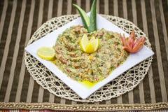 作为` Mutabbal `传达由茄子的阿拉伯开胃菜 免版税库存图片